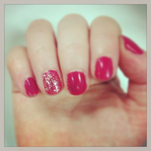 Strawberry kisses for a midweek mani
